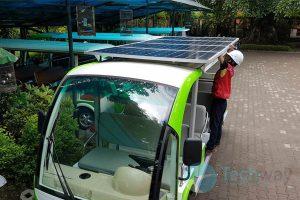 xe điện du lịch lắp pin năng lượng mặt trời